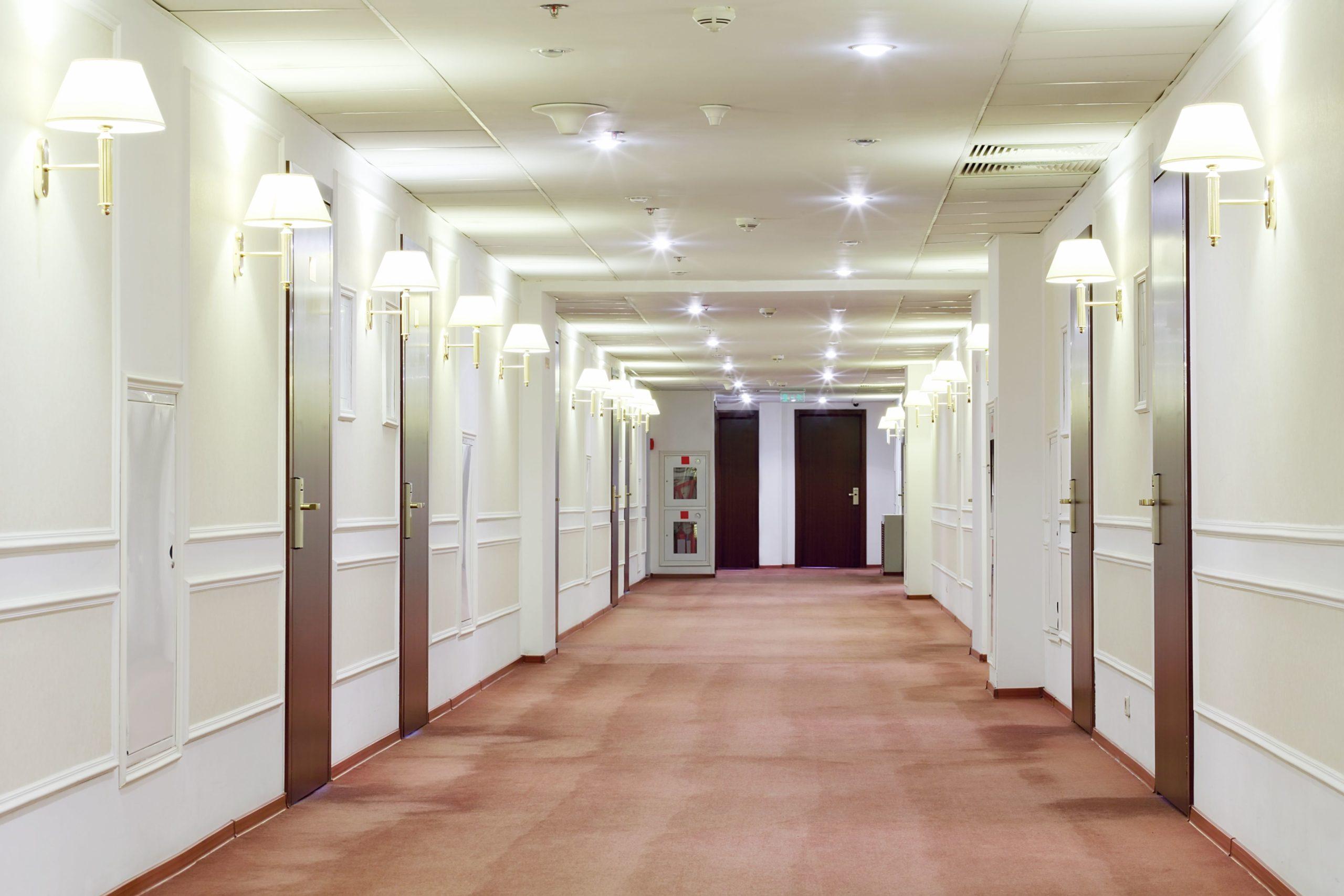 Czy goście hoteli zapłacą za droższy prąd dla biznesu?