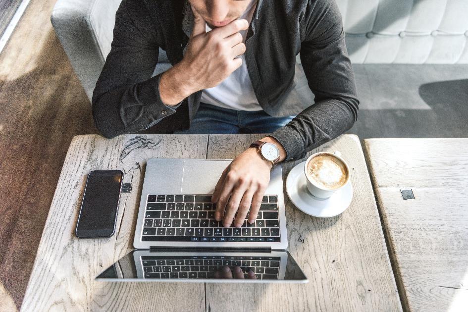 Pracownicy lubią pracę zdalną. Jak wówczas zapewnić bezpieczeństwo firmowych danych?