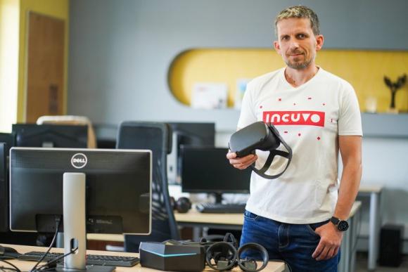 Incuvo VR podsumowuje działania w 2020 roku BIZNES, Giełda - Incuvo, niezależne studio specjalizujące się w portingu i produkcji gier na urządzenia Virtual Reality, podsumowuje 2020 rok. Spółka koncentrowała się w tym czasie na realizacji nowego modelu biznesowego, jakim jest produkcja i porting projektów VR-owych.